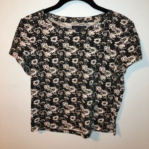 Black and White Daisy Crop Top T-shirt